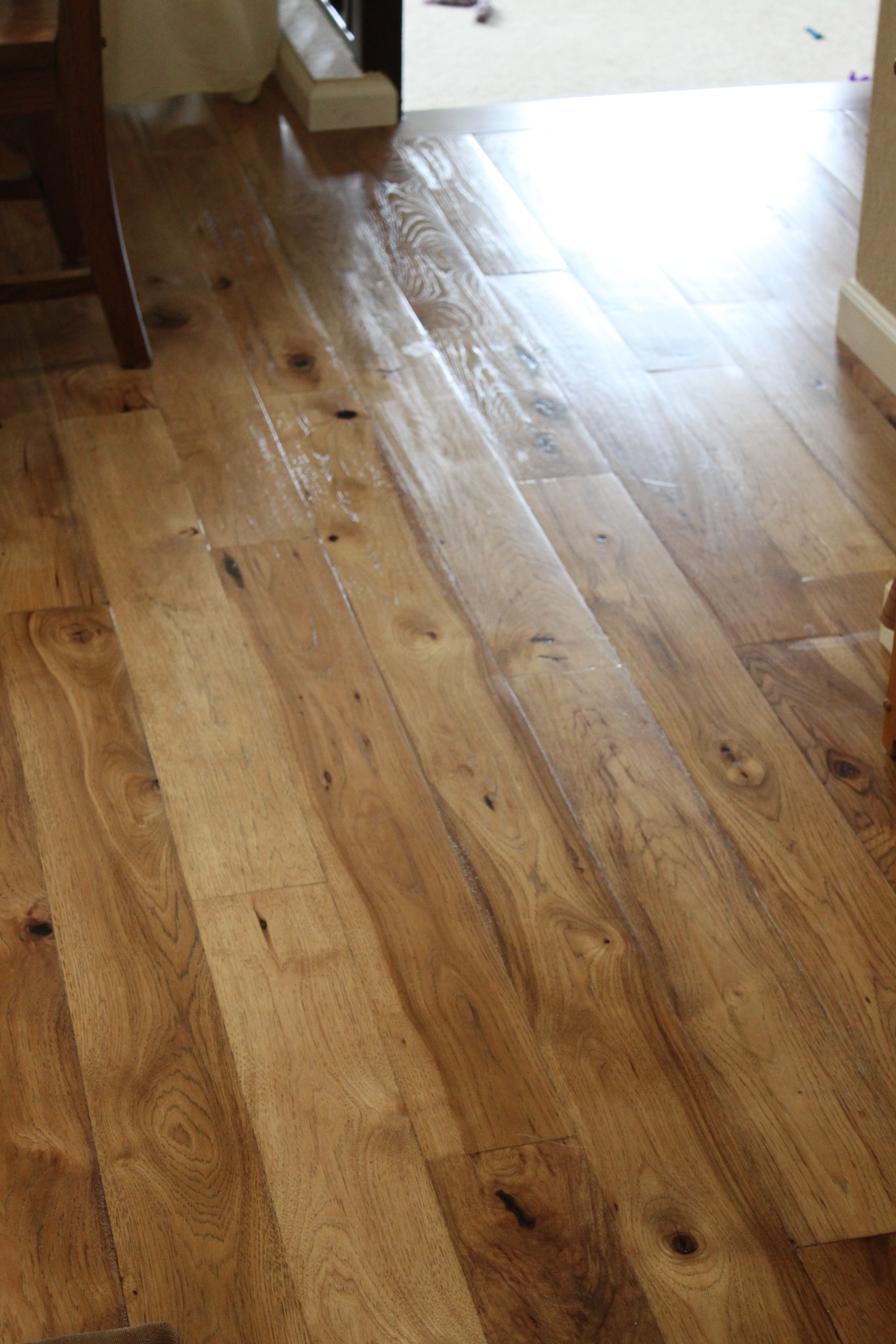 Engineered flooring rustic hickory engineered flooring for Hickory flooring
